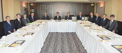選考委員会は4月15日に東京・紀尾井町のホテルニューオータニ東京で行われた