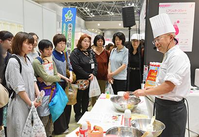 ふれあいクッキング☆スタジアム特集:松谷化学工業 次世代甘味料をPR