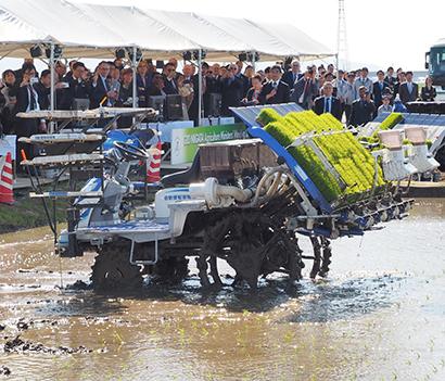 G20新潟農業大臣会合特集:自動田植機を視察 ドローン活用のスマート農業も
