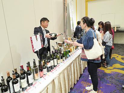 国分グループ本社、ワインなど輸入洋酒展示試飲会を開く