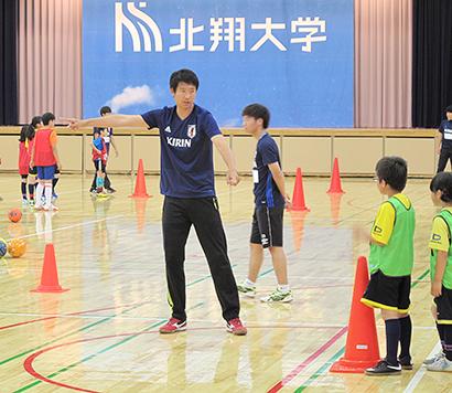 北海道キリングループ、西友と共同でサッカー教室開く