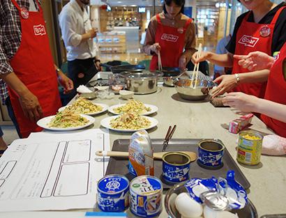 日本水産、「缶切り部」開催 缶詰の食品ロス削減取り組む
