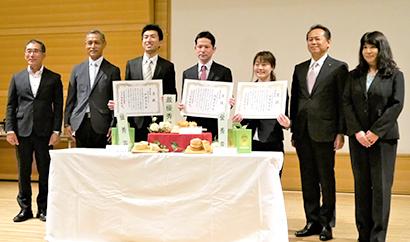 友栄食品興業がクラウンメロンクリームパンコンテスト 最優秀賞は内藤匡佳氏