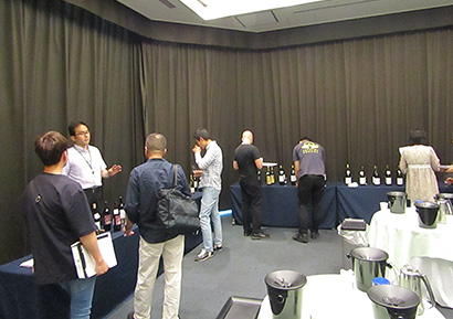 本坊酒造、「マルスワイン試飲会」開催 料理との相性も拡大
