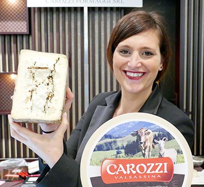 黒トリュフを合わせた豪華版クアルティローロ・ロンバルディアを出品したCarozzi社のヴェラ・カロツィ氏