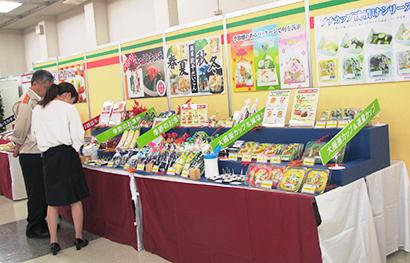 ◆漬物特集:新秋冬・定番品が勢揃い 全国漬物・惣菜展示見本市に60社が出展