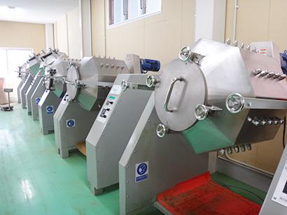 カメタニの新工場の粉砕機