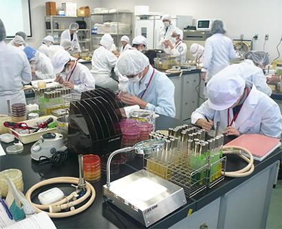 ◆食品微生物検査技士特集:日本べんとう振興協、食品微生物検査技士の受講者募集