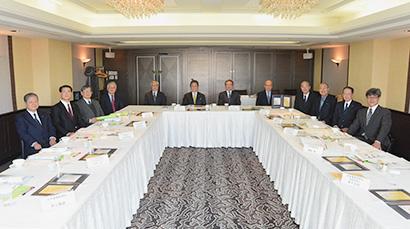 4月15日に東京・紀尾井町のホテルニューオータニ東京で開催された選考委員会