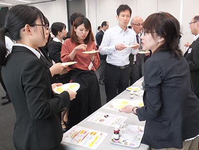 小川香料、製品展示会開催 香りで価値向上提案、調理感など付与を