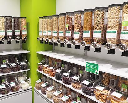 売場提案でドライフルーツの量り売りをコア商品の一つに育成