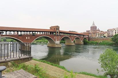 川は農業だけでなくパビアの都市文化も発展させた