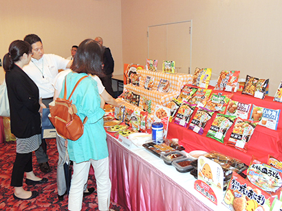 三井食品中四国支社、冷食秋季新商品商談会 家飲み、スイーツを訴求
