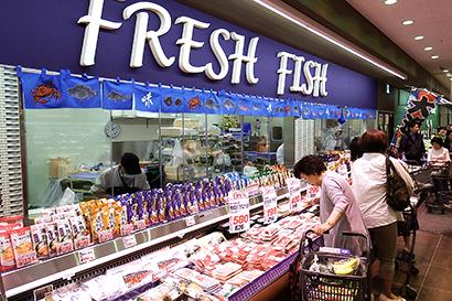 スーパーバリュー世田谷松原店 SM型で同社初、地下を売場に活用