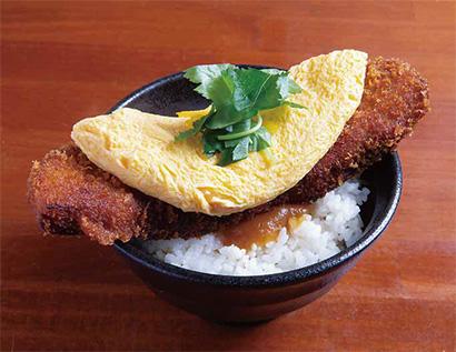 とろとろ玉子の角煮かつ丼(味噌汁付き)並700円(税込み)