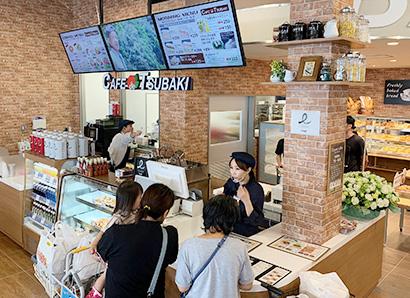 オーダー制メニューを提供するカフェカウンター