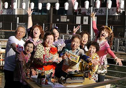 味の素冷凍食品、「ギョーザステーション」大阪初オープン ご当地アイドルが登場