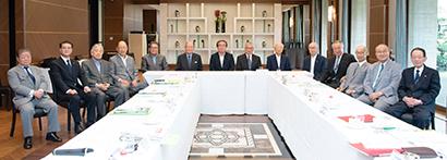 8月1日に東京・紀尾井町のホテルニューオータニ東京で開かれた第52回食品産業功労賞選考委員会