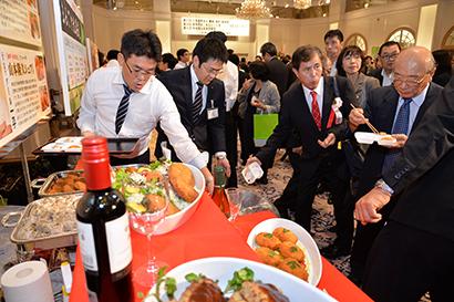 ◆地域食品産業貢献賞特集:第7回地域食品産業貢献賞 地域支える6社が受賞