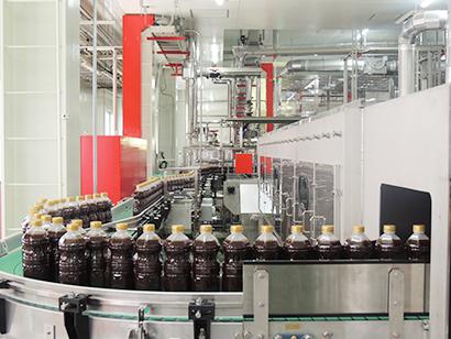 オタフクソース、本社工場に新充填ラインを新設 さらなる生産性の向上へ
