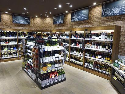 売場が広がったワインはオリジナル商品の比重が高まる傾向