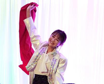 「大阪王将餃子大使」の鈴木奈々も会場を盛り上げた