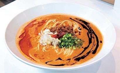 海老寿久担々麺(追いリゾ付き) 1,000円(税込み)芝麻醤のスープに香味ラー油と山椒油をプラス。ピリ辛のラー油ゾーンとシビれる風味の山椒油ゾーンで、違った味わいが楽しめる