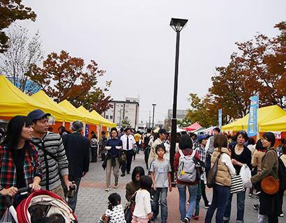 「京都ビーガングルメ祭り」開催 4千人来場でにぎわう