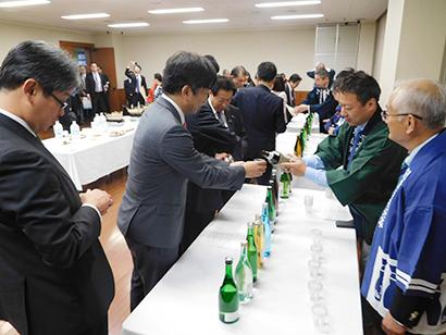國酒を愛する議員の会、総会開催 47都道府県の國酒を試飲