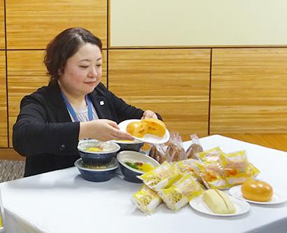 和歌山の食材を使用した商品(県庁で)