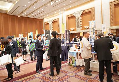 津田物産グループ、「生産地と消費地を結ぶ大交流会」開催 各地の新米食べ比べ