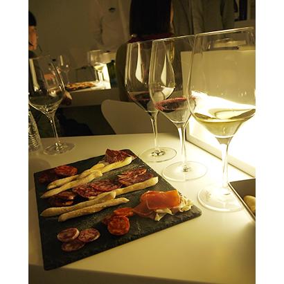 ワインと食肉加工品の両素材をもつCFGだからできる酒と食の熟成の違いによるマリアージュが楽しめる