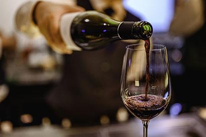 ◆ワイン特集:輸入ワイン、チリ産減速で仏産首位へ 日欧EPA効果