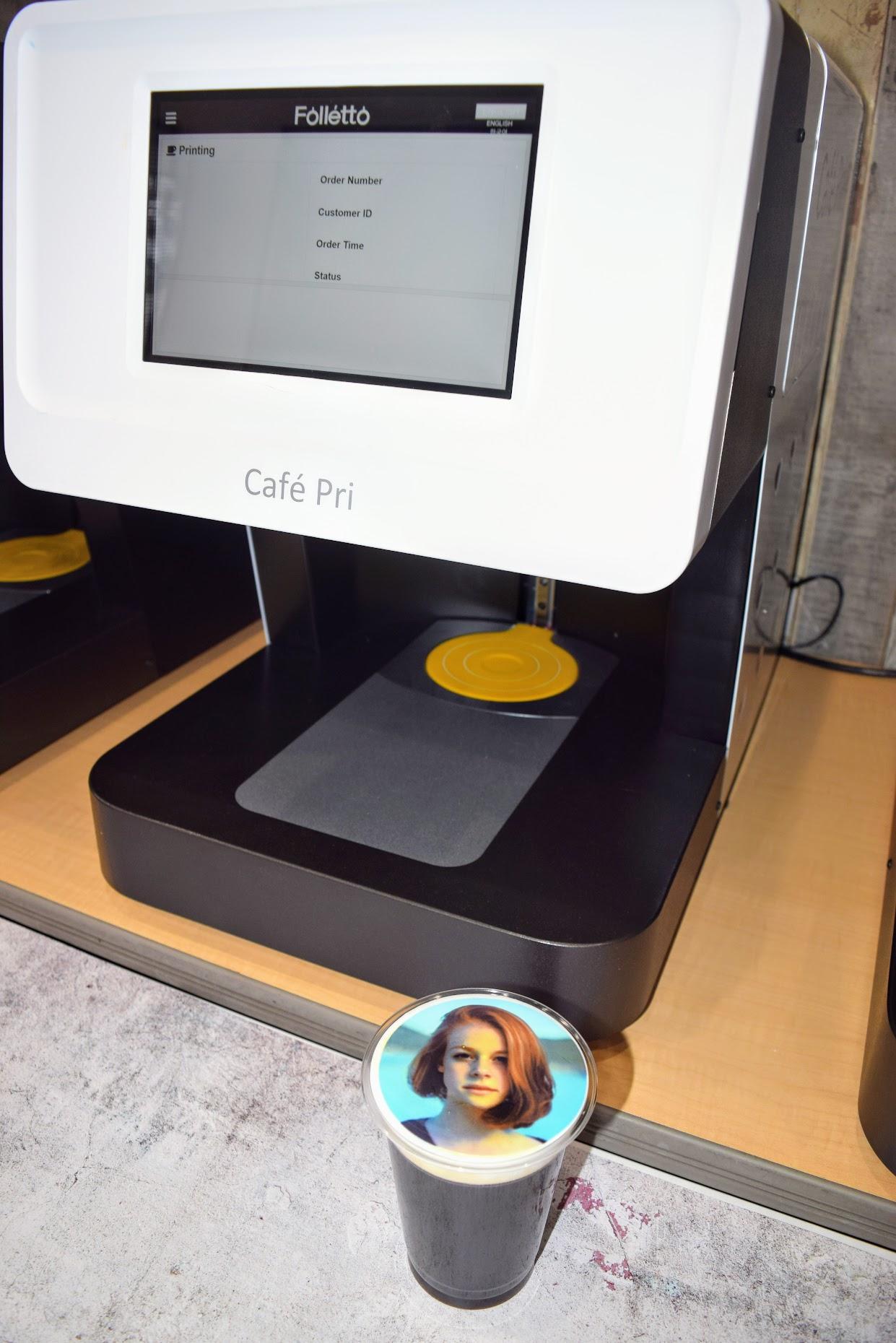 ラテに顔写真を20秒で印刷 食用インクを使って商品差別化