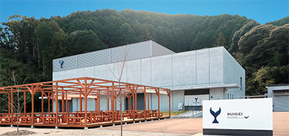 工場ルポ:酔鯨酒造・土佐蔵 精米からボトリング、低温貯蔵までの一貫生産
