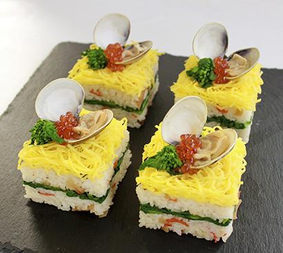 永谷園の提案する「はまぐりキューブ寿司」。具材を変えればいつもと変わった華やかさが演出できる
