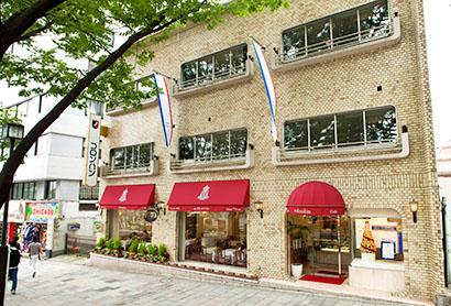 コロンバン・本店サロン、惜しまれながら一時閉店 東京・原宿スイーツの名所