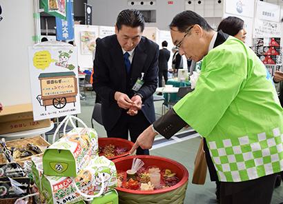 「農と食の展示・商談会」と「埼玉県農商工連携フェア」 多彩な商品に商談活発