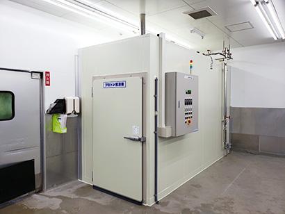 最新のプロトン解凍機「DENG500」は1バッチで500kgの処理が可能だ