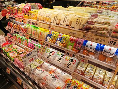 スーパー中心にドラッグストアでも4月は売上げ10~20%増