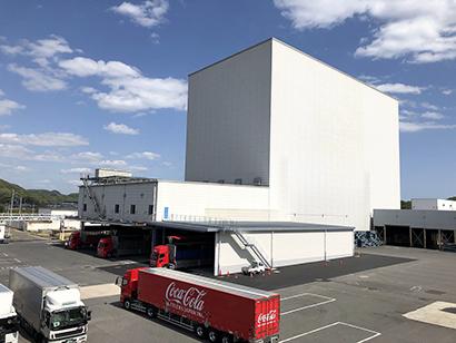 CCBJI・本郷自動倉庫、最新技術で再稼働 システム唯一の高さ50m