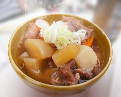 世田谷の居酒屋、真空包装の惣菜を提供
