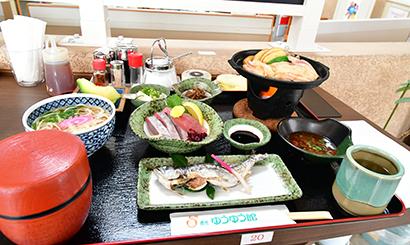 道の駅「貞光ゆうゆう館」レストラン( 徳島県美馬郡つるぎ町)で半田素麺が食べられる