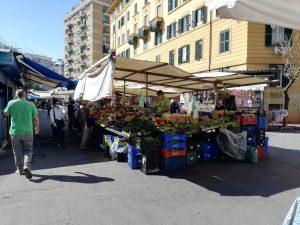 コロナ禍でイタリアの青空マーケットが再評価 新鮮で安心な食材とエコスタイル