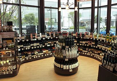 酒類流通の未来を探る:小売最前線=SM 酒類売場、食卓を彩るワイン提案