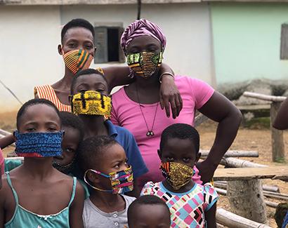 新型コロナ:江崎グリコ、困窮のガーナを支援 日本向けマスク、現地製造委託へ
