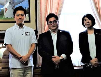 幸南食糧、大阪府に陸前高田市産米パックご飯1万食を寄贈