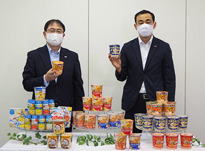 5日の説明会は初のオンライン開催、征矢真一社長(左)は「スープならなんでもやる」と挑戦姿勢を示した。(右)は黒柳伸治事業部長