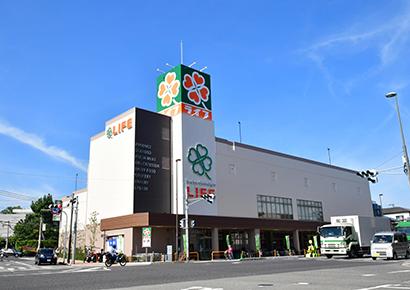 近畿中四国小売流通特集:注目のSM新店=ライフ夙川店 ワンランク上の品揃え強…