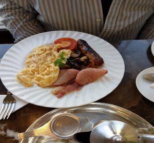 イングリッシュ・ブレックファストを食べない英国の若者が続出 朝食も健康志向に